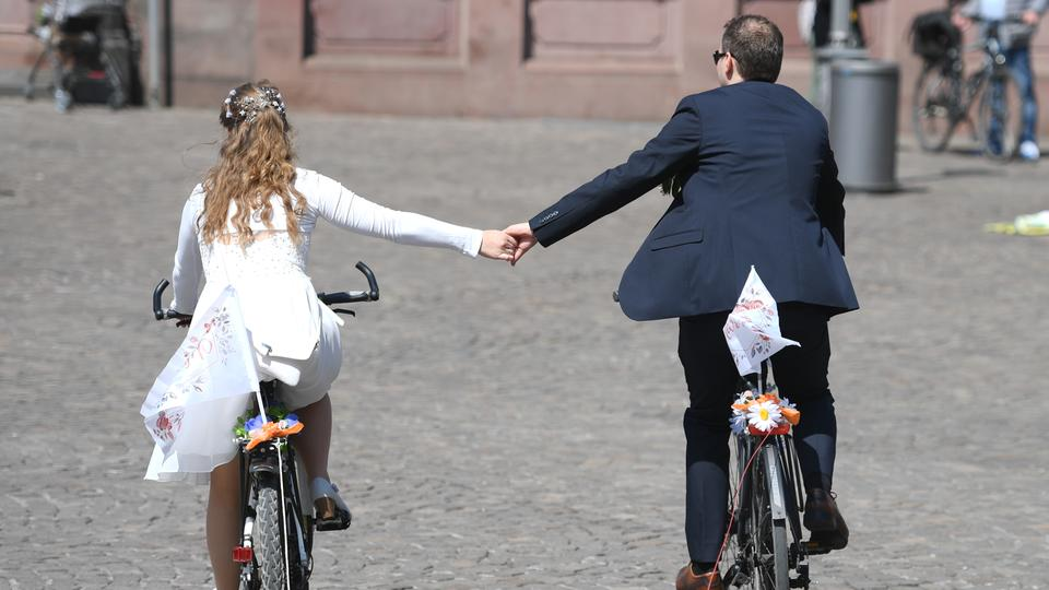 Corona In Bayern Heiraten In Corona Zeiten Verliebt Verlobt