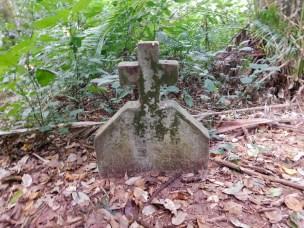 Bendigo Nature Reserve stone cross2