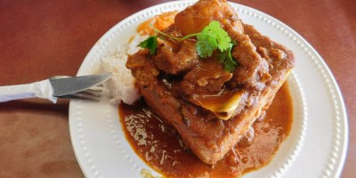 Curry mutton bunny chow