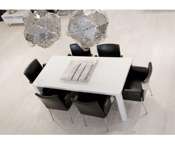 Hoogglans witte tafel
