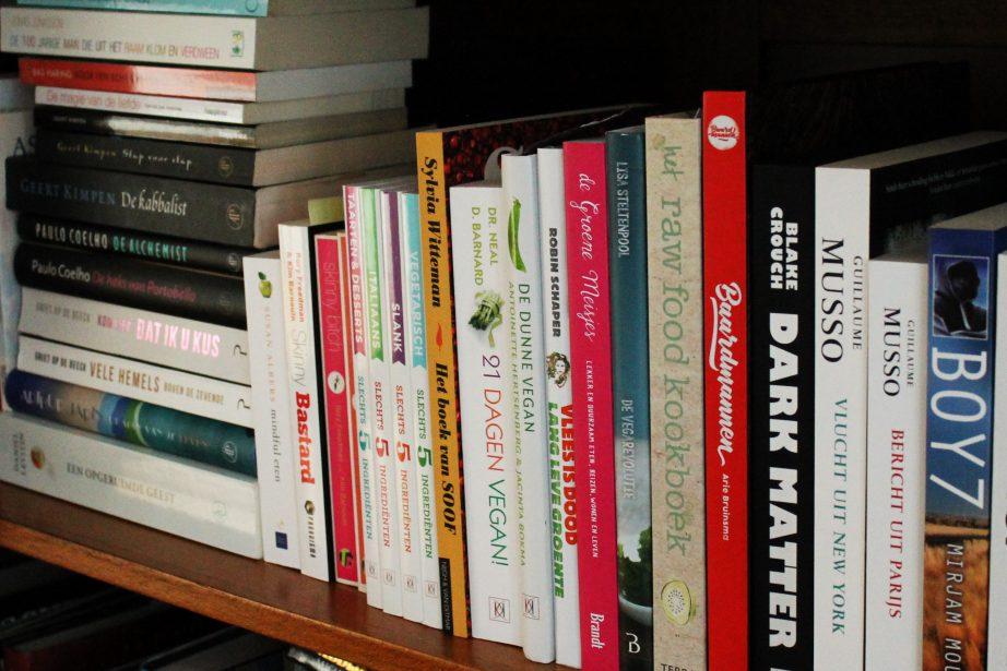 Musso Bericht Uit Parijs.Hoe Ruim Je Je Boekenkast Op Het Groene Broertje