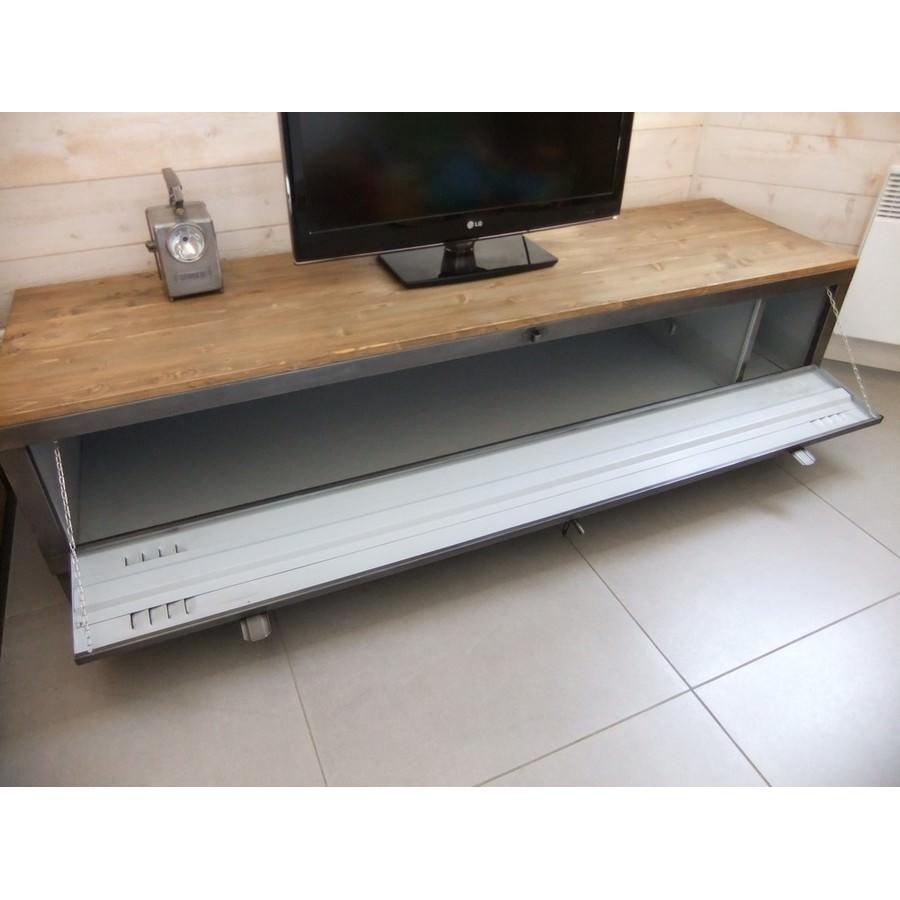 meuble tv industriel avec ancien vestiaire