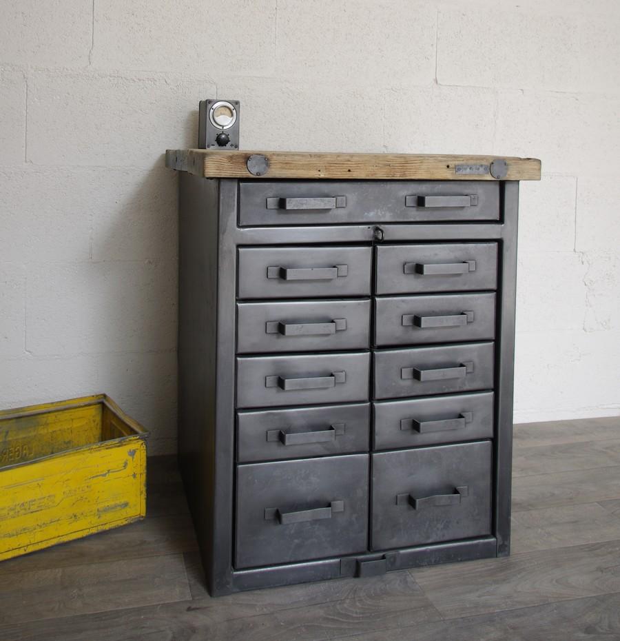 meuble buffet industriel etabli militaire restaure a tiroirs ref durham