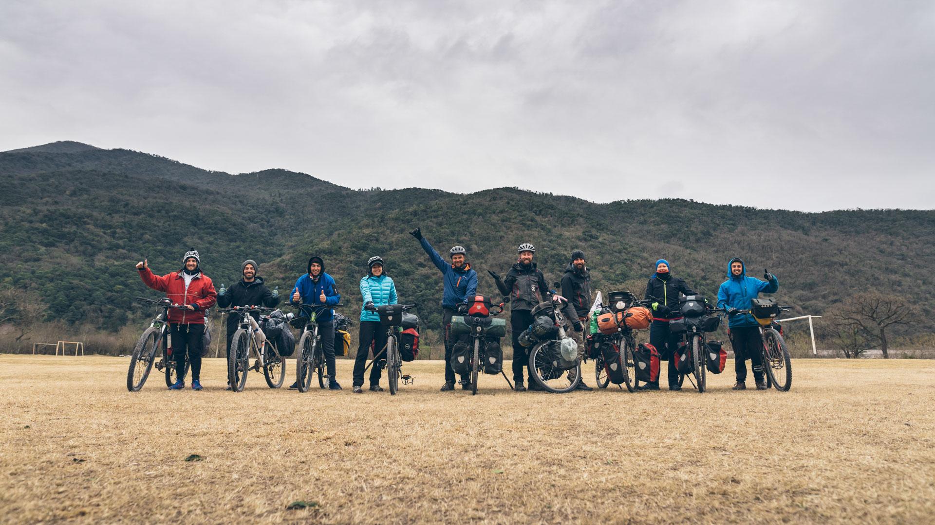 Photo de groupe avec Pablo et 3 autres cyclistes