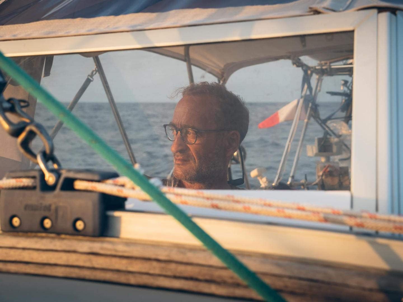 Notre capitaine qui surveille l'horizon