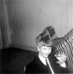 Ringo with drink