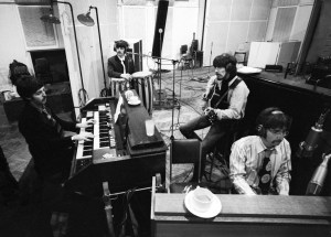 The-Beatles-In-Studio-Recording-Sgt-Pepper-at-Abbey-Road-1967