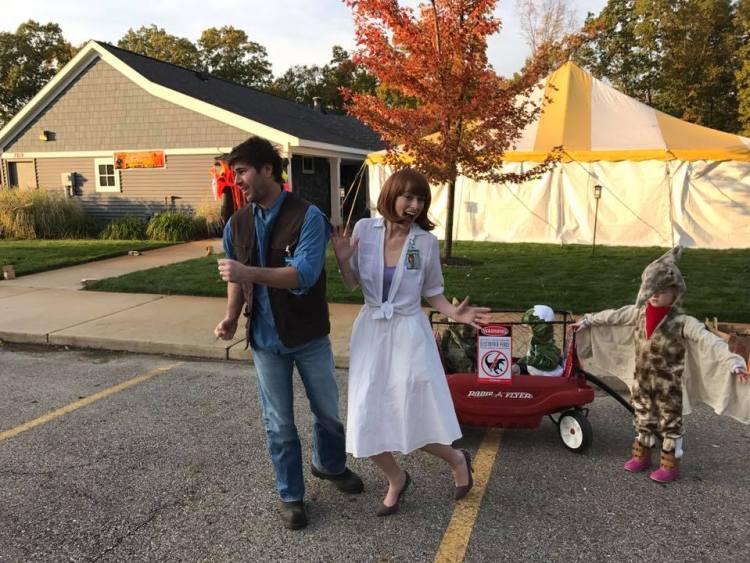 family of 5 halloween costume