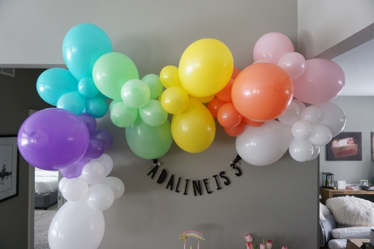 heyitsjenna rainbow arch balloon garland confete party box