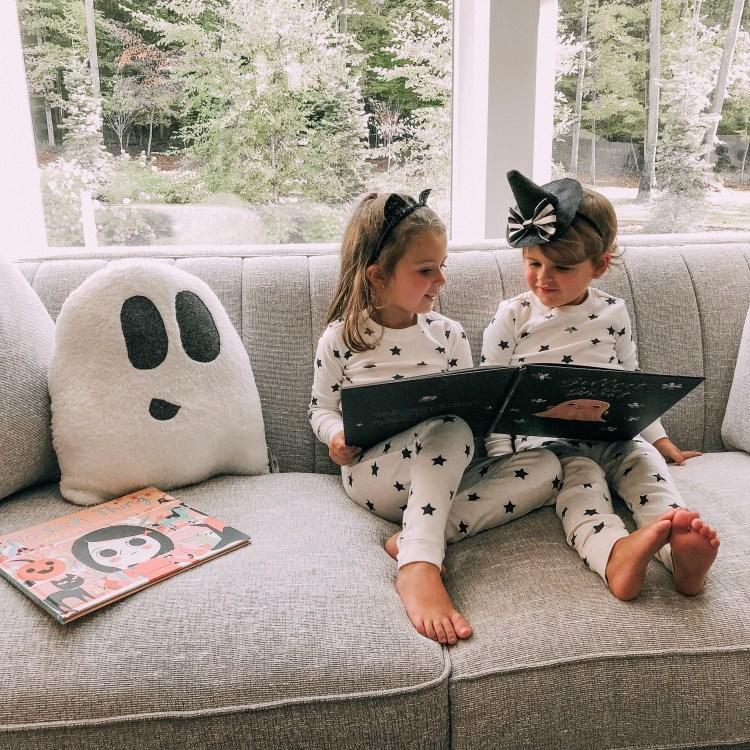 favorite Halloween books heyitsjenna