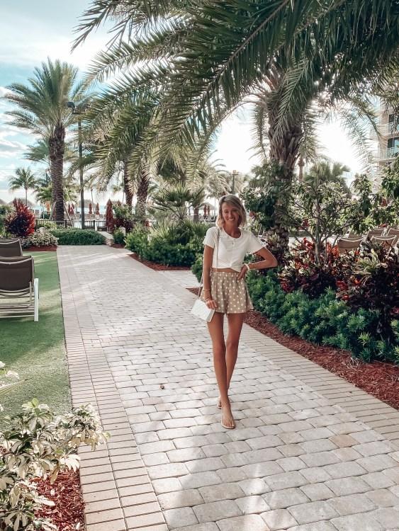 jw marriott marco island blogger review pool area dinner ootd heyitsjenna