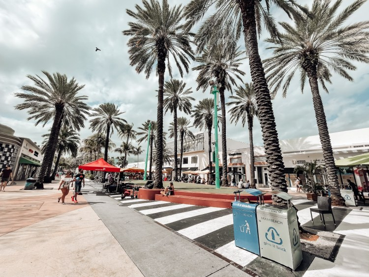 lincoln road shopping travel guide for south beach where to shop