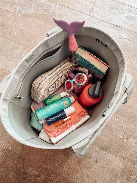 what's inside my beach bag yeti tote
