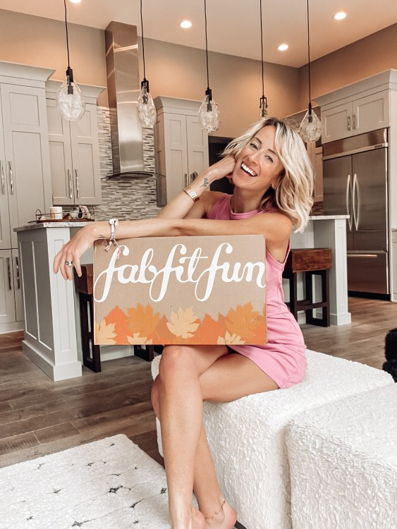 inside the fabfitfun 2021 fall box review and code