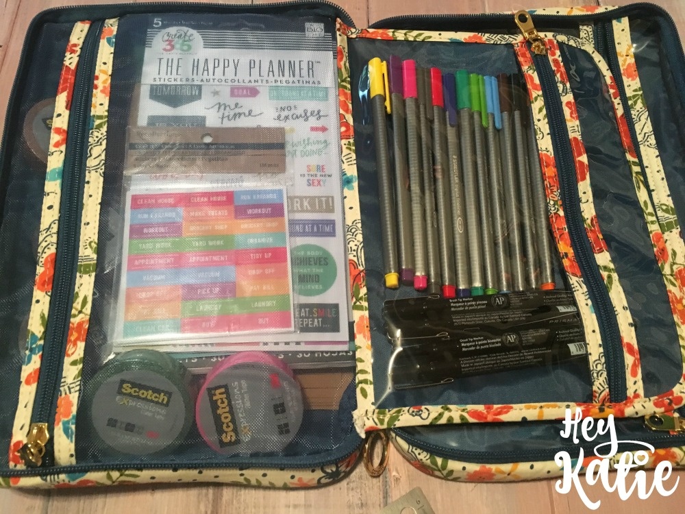 Make Your Own Portable Bullet Journal System From a Makeup Bag!