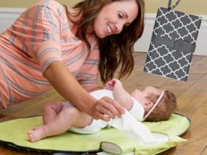 Tapis à langer de voyage - Changer bébé à tout moment