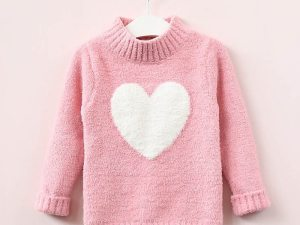 Pull rose pour fille avec cœur