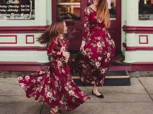 Robe longue été automne bordeaux motifs fleurs pour fille
