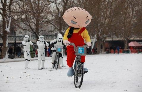 Family Guy - It's a Snow Trap-3