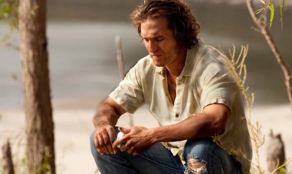 Matthew-McConaughey-in-mud