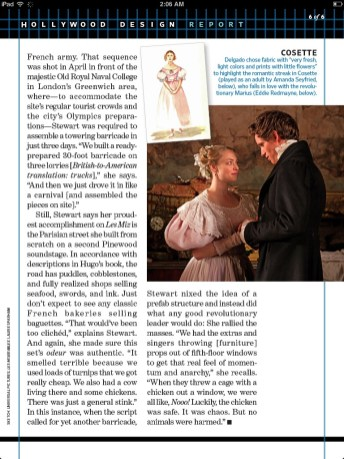 Amanda Seyfried and Eddie Redmayne in Les Misérables scan