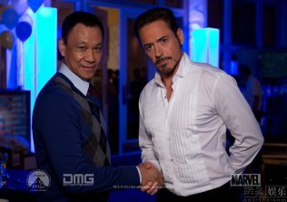 Wang-Xueqi-and-Robert-Downey-Jr.-for-Iron-Man-3