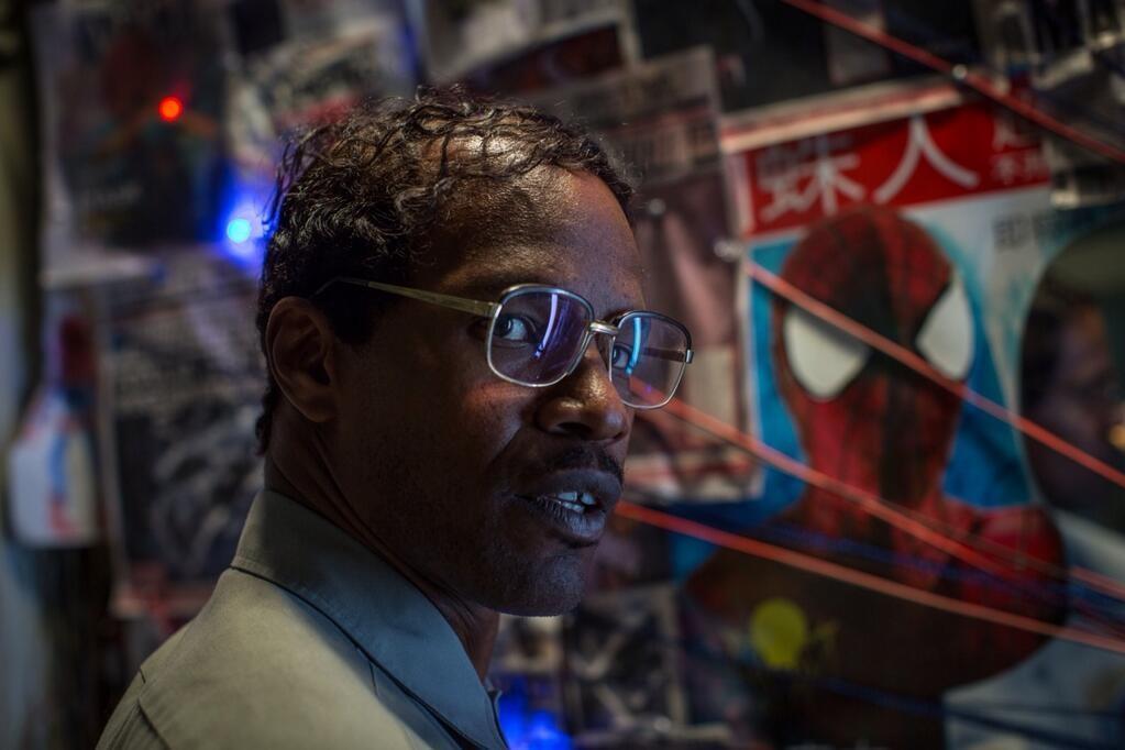 Jamie-Foxx-in-The-Amazing-Spider-Man-2