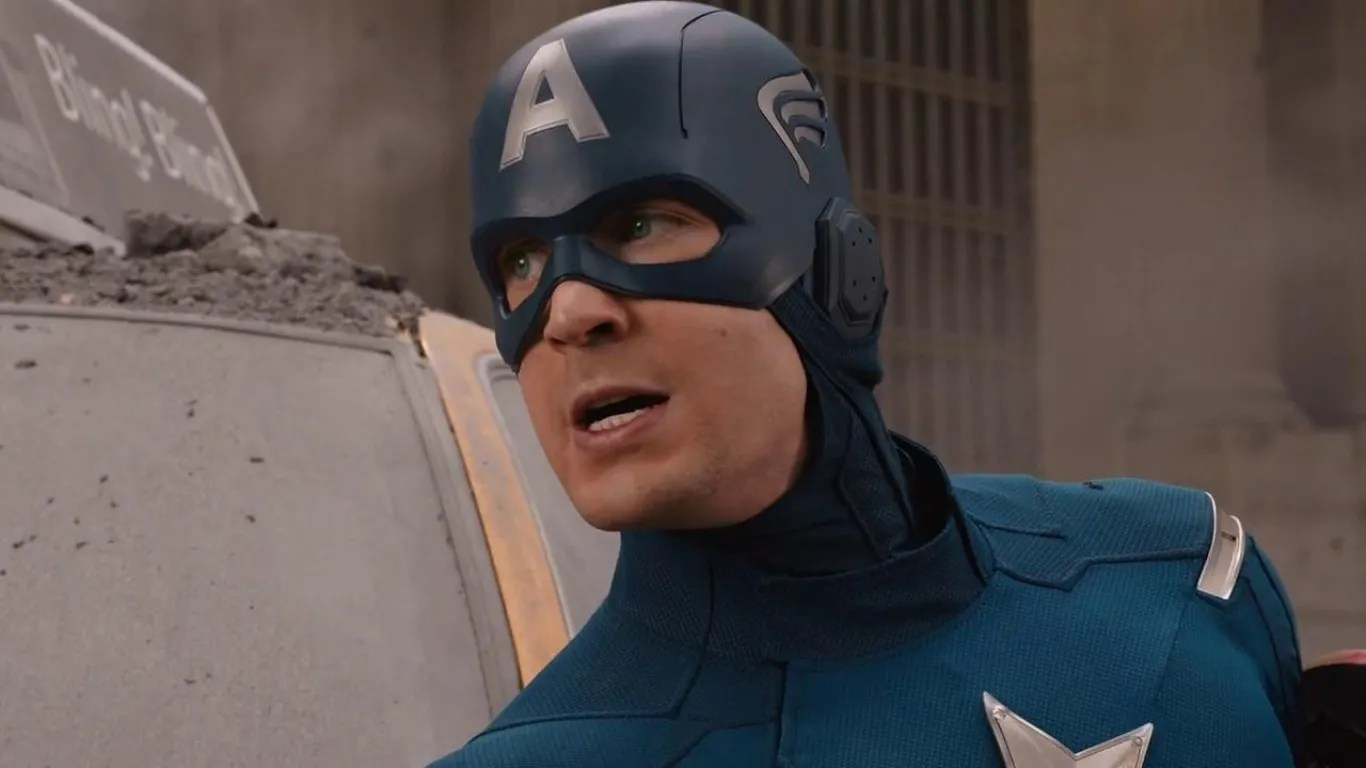 First Look at Captain America's New Suit in Avengers: Age ...