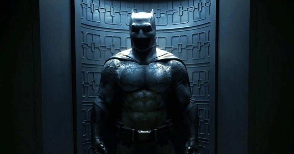 First Official Look at Ben Affleck's Batman v Superman Batsuit
