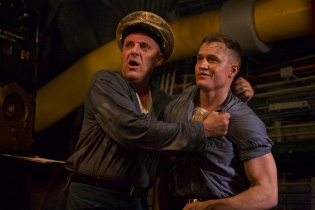 Tom Sizemore and Matthew Pearson in USS Indianapolis