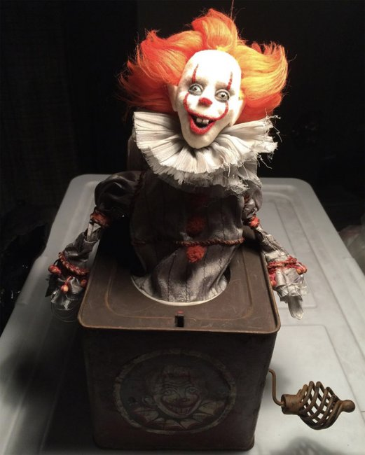 New Images from Stephen King's IT
