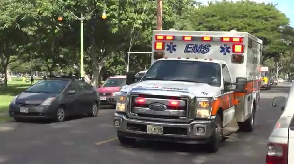Hawaiʻi Foodservice Alliance makes a food donation to Honolulu EMS