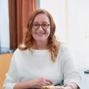Dr. med. Esther Fischer