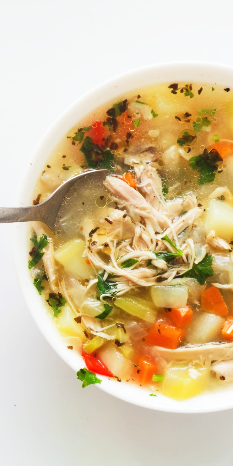 My favorite chicken soup! This is the tastiest, most satisfying homemade chicken soup that you can make from scratch! This soup is easy, healthy and perfect for dinner or lunch. #chicken #soup #dinner