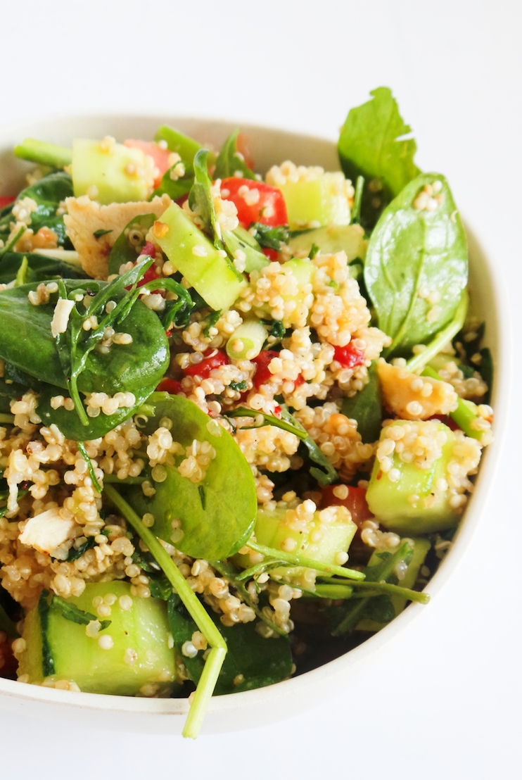Fresh and healthy quinoa salad with chicken, avocado and cucumber! Flavorful, but light this easy chicken recipe is great for dinner or lunch, especially if you want to eat clean or to lose weight. | Half-human, half-mom