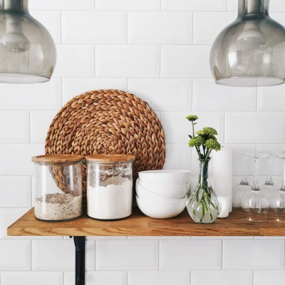How To Organize A Tiny Kitchen (6 Steps!)