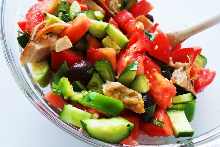 easy and delicious chicken, avocado, cucumber and tomato salad - low carb dinner idea