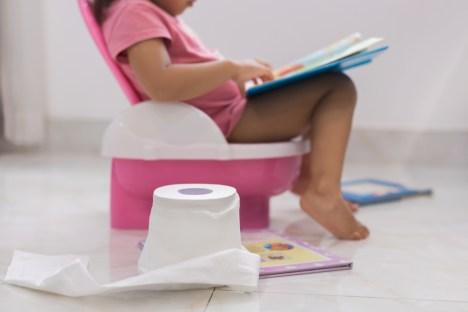 حيل تشجع الطفل على دخول الحمام بعد مروه عامة الثاني وليس غير ذلك