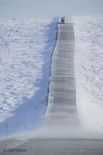 Camión recorriendo la congelada Dalton Highway, en Alaska
