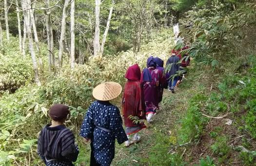 糸引き工女行列