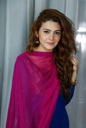 Zara Noor Abbas Height, Weight, Age, Body Measurement, Bra Size, Husband, DOB