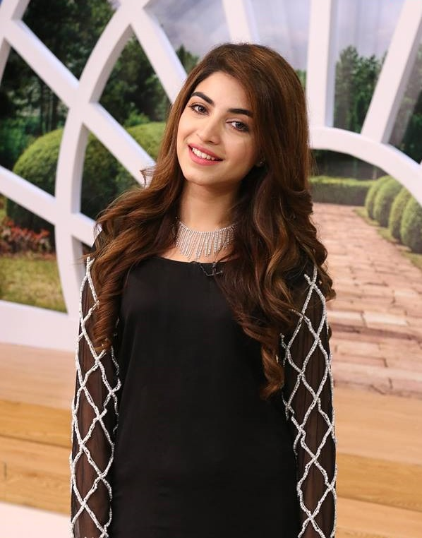 HQ pictures gallery Kinza Hashmi