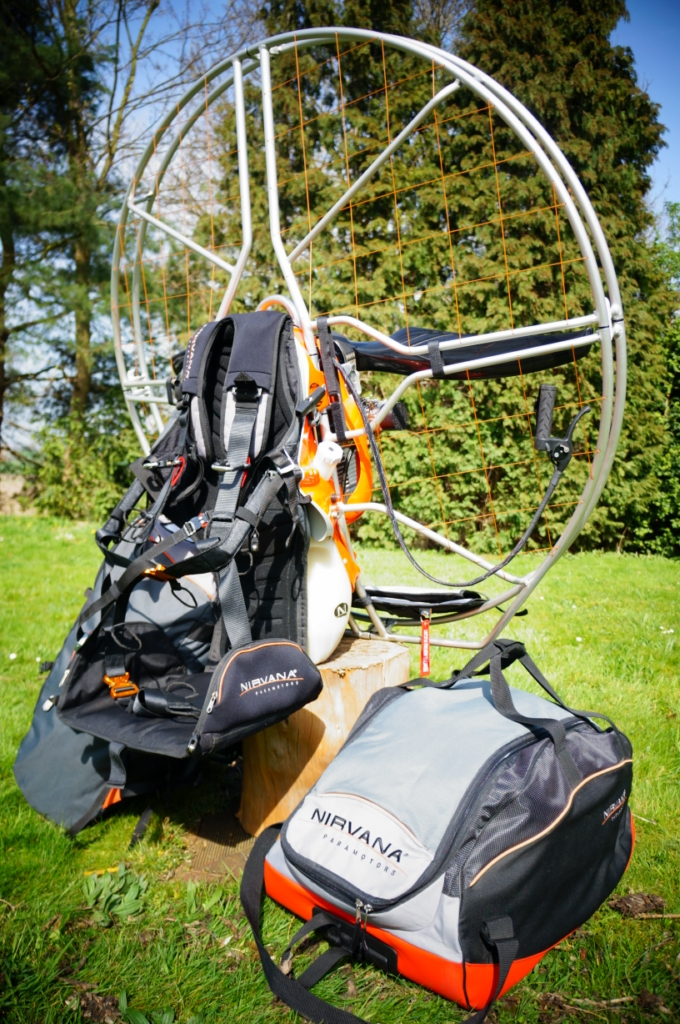 https://i2.wp.com/www.hiddenturbulence.com/wp-content/uploads/2013/02/tweedehans-paramotor.jpg?fit=680%2C1024