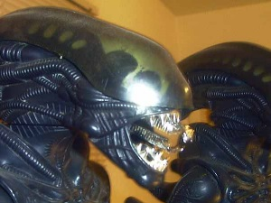 alien_doll_close_up