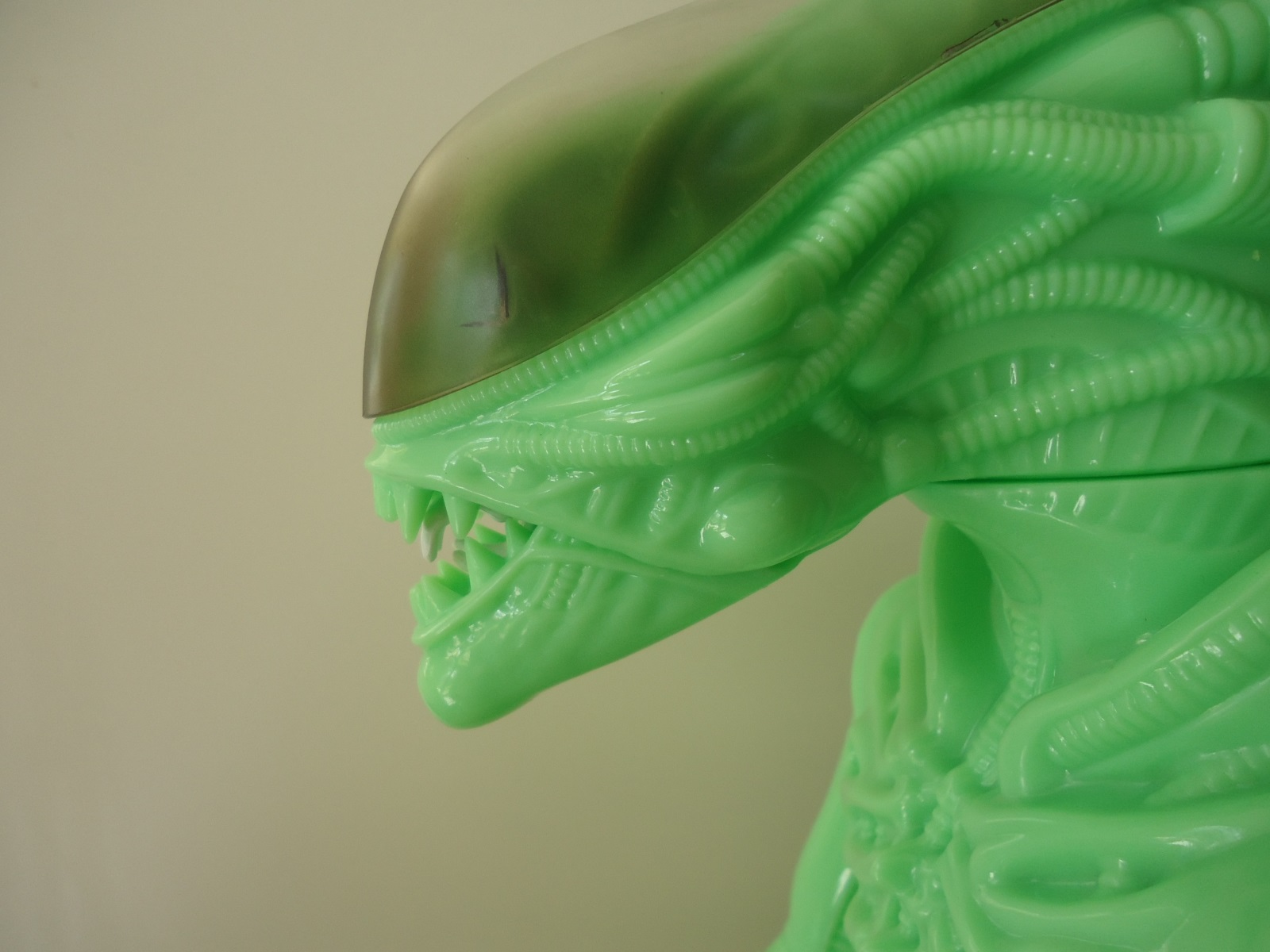 24 inch tall Gentle Giant glow in the dark ALIEN action figure with mouth closed.