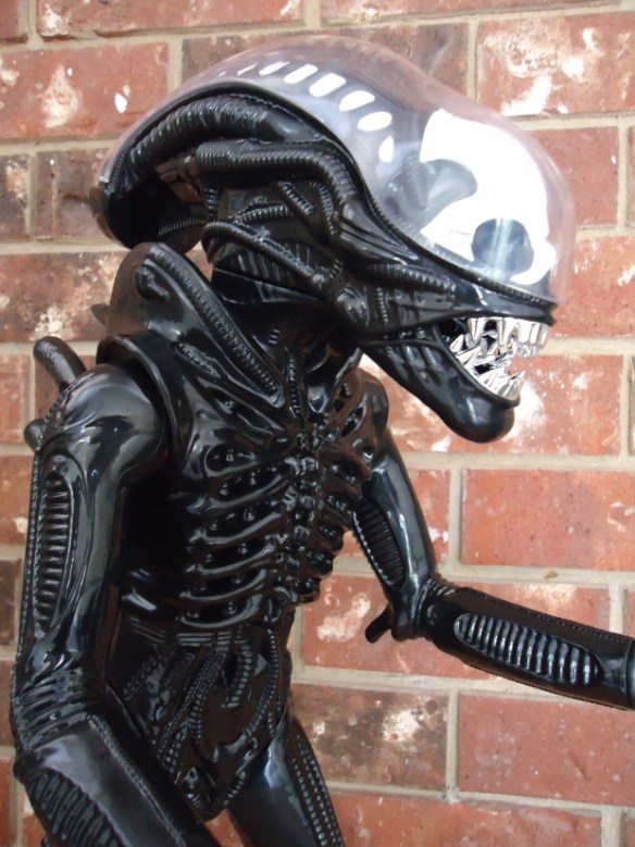 Gentle Giant Tribute Alien Figure