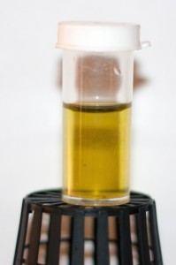 Color del agua con el indicador después de corregir el pH
