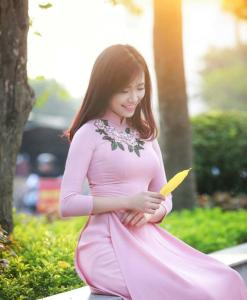 Vietnam-Ao-Dai-Pink-Silk-With-Floral-Neck-Decoration