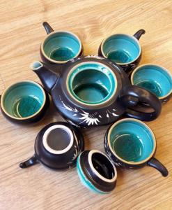 handmade-tea-set-bat-trang-green-cracked-glaze