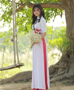 Ao Dai White Chiffon Floral Decoration 2
